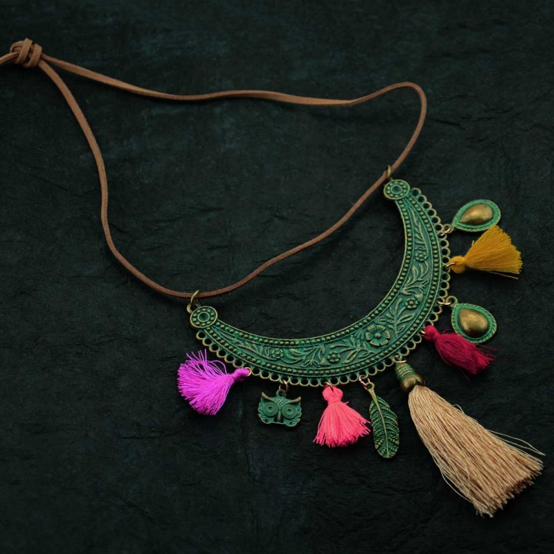 Classy Pendent Neckpiece With Colorful Tassel Thread