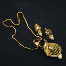 Golden Necklace Set With Drop Pearl Earrings
