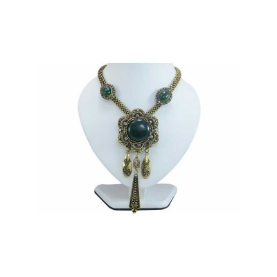 Ethnic Floral Design Pendant with Green Stones Necklace