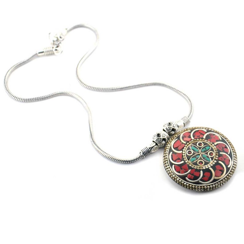 Oxidized Silver Toned Pendent Neckpiece In Red