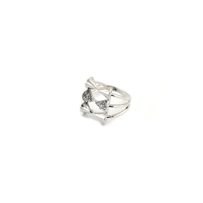 Triple Bow Stones Ring In Silver