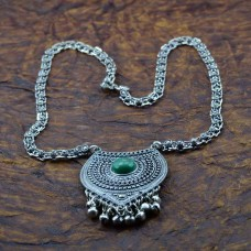 Oxidized Silver Toned Heart Shape Pendant Necklace In Green Stone