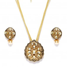 Gold Toned Studded Kundan Jewellery Set