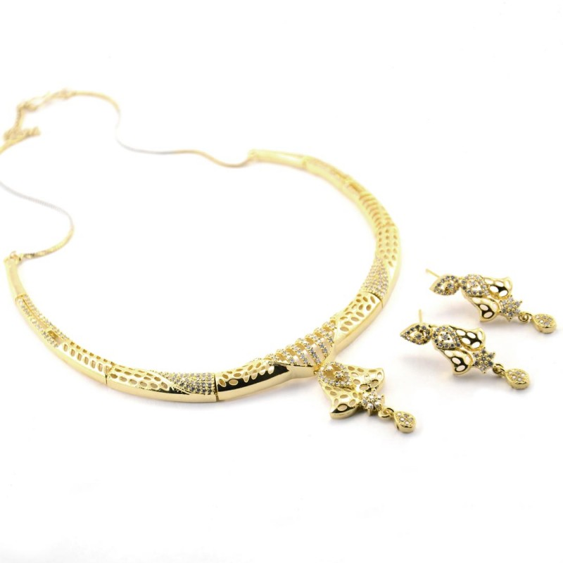 Gold Plated Necklace Set With Multiple Stones